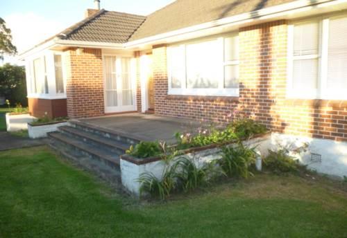 Riverhead, 3 Bedroom Home, Property ID: 62000648 | Barfoot & Thompson