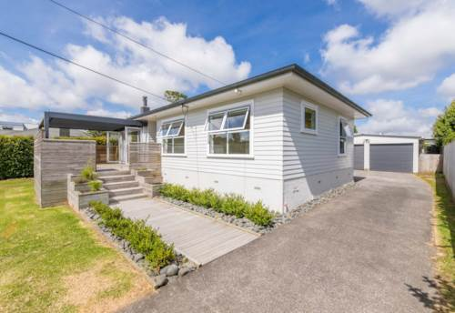 Huapai, Great Location, Property ID: 62000690 | Barfoot & Thompson