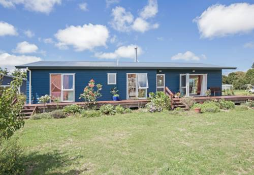 Helensville, Shelly Beach, Property ID: 62000695 | Barfoot & Thompson