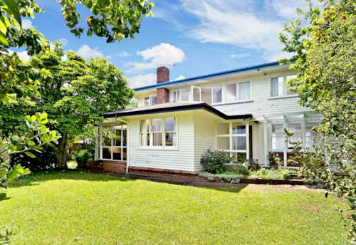 Helensville, Live in Helensville, Property ID: 62000700 | Barfoot & Thompson