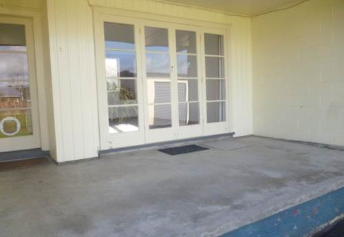 Waimauku, Spacious Two Bedroom, Property ID: 62000704 | Barfoot & Thompson