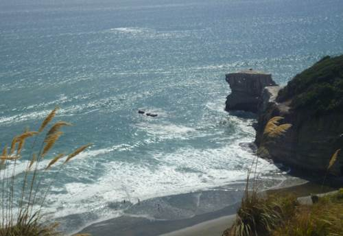 Muriwai, Life's a Beach!, Property ID: 62000716 | Barfoot & Thompson