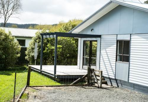 Helensville, 3 Bedrooms, Property ID: 62000756 | Barfoot & Thompson
