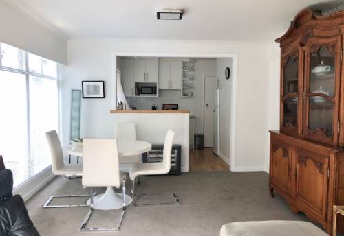 Parnell, Fully Furnished Ground  Floor Garden Apartment, Property ID: 65002485 | Barfoot & Thompson