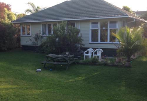 Te Atatu Peninsula, Enjoy the quiet, Property ID: 66000455 | Barfoot & Thompson