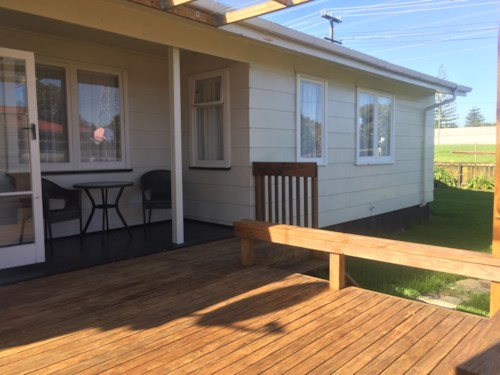 Te Atatu Peninsula, 3 Bedrooms & office, Property ID: 66000459 | Barfoot & Thompson