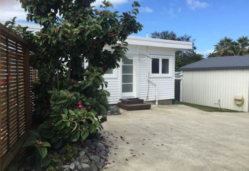Te Atatu Peninsula, Spacious 2 Bedroom, Property ID: 66000628 | Barfoot & Thompson