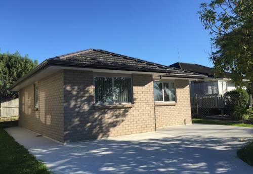 Te Atatu Peninsula, Lovely brick and tile cottage, Property ID: 66000649 | Barfoot & Thompson
