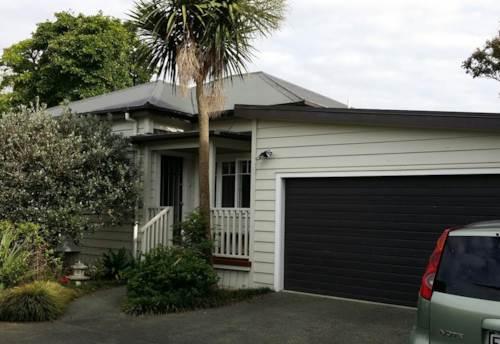 Te Atatu Peninsula, Your Quiet Sanctuary, Property ID: 66000710 | Barfoot & Thompson