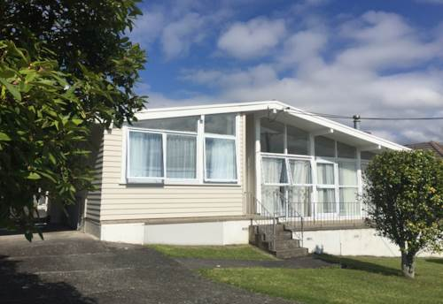 Te Atatu South, Presented to a high standard, Property ID: 66000718 | Barfoot & Thompson