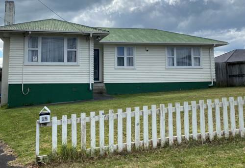 Te Atatu South, PROPERTY NOT TO BE MISSED!, Property ID: 66000770 | Barfoot & Thompson