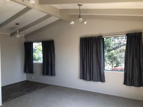 Te Atatu Peninsula, Cosy Family Home, Property ID: 66000826 | Barfoot & Thompson