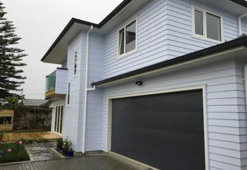 Te Atatu Peninsula, Recently completed family home, Property ID: 66000841 | Barfoot & Thompson