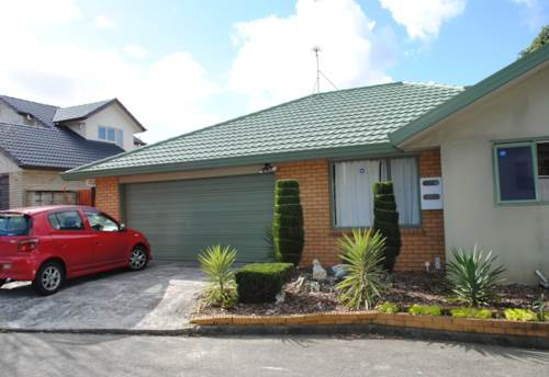Te Atatu South, Nice property in Handy Location, Property ID: 66000844 | Barfoot & Thompson