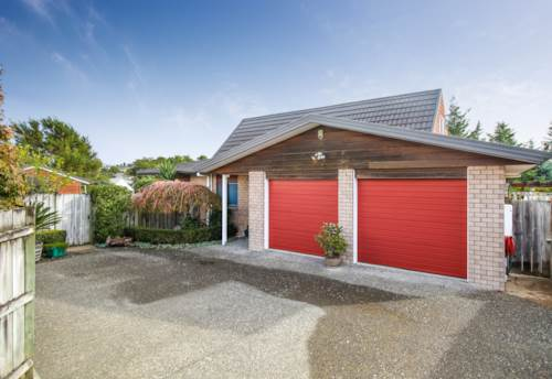 Henderson, A PERFECT HOME NOT TO BE MISSED!, Property ID: 66000867 | Barfoot & Thompson