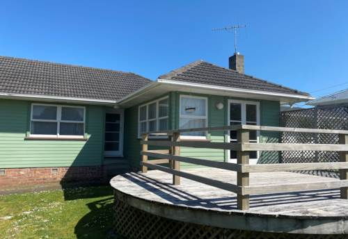 Te Atatu Peninsula, Handy Location!, Property ID: 66000876 | Barfoot & Thompson