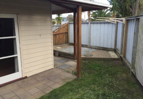 Beachlands, Tidy 2 Bedroom Unit, Property ID: 67001417 | Barfoot & Thompson