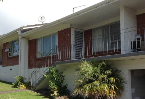 Manurewa, 2 Bedroom unit with 1 bathroom, Property ID: 67002430 | Barfoot & Thompson