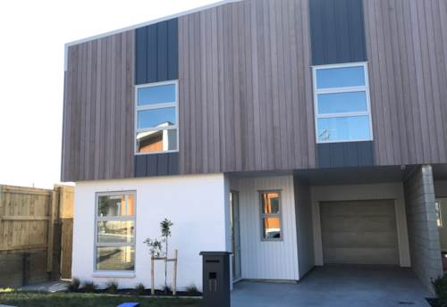 Beachlands, Family Home In Pine Harbour, Property ID: 67002443 | Barfoot & Thompson