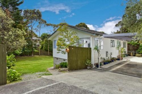 Northcross, Park like surrounds, Property ID: 68000356 | Barfoot & Thompson