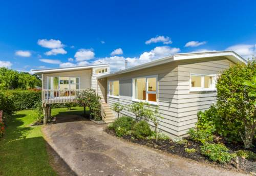 Murrays Bay, Immaculate 3 bedroom home in Murrays Bay, Property ID: 68000372 | Barfoot & Thompson