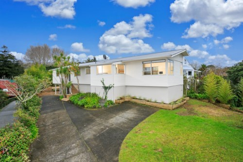 Torbay, Spacious Family Home In Torbay, Property ID: 68000399 | Barfoot & Thompson