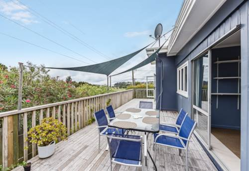 Stanmore Bay, Spacious family home, Property ID: 68000415 | Barfoot & Thompson