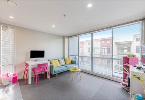Eden Terrace, 1 bedroom unit with parking included., Property ID: 68000465 | Barfoot & Thompson