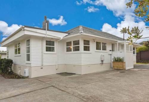 Glenfield, 4 bedroom house with 2 bathrooms, Property ID: 68000504 | Barfoot & Thompson