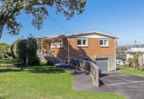 Torbay, 60s gem in Cliff Road, Property ID: 68001541 | Barfoot & Thompson