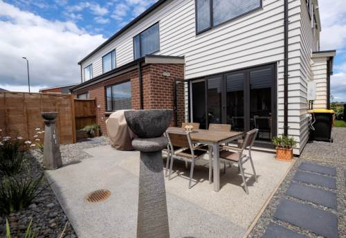 Silverdale, Awesome as new 4 bedroom townhouse, Property ID: 70000023 | Barfoot & Thompson