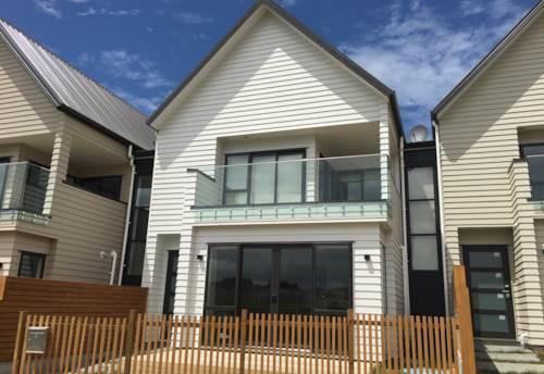 Orewa, Brand new townhouse in the new Arran Point development., Property ID: 70000114 | Barfoot & Thompson
