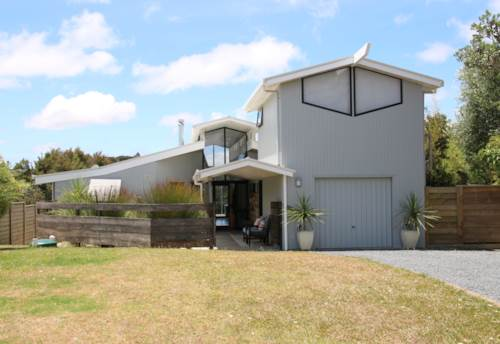 Kerikeri, Enjoy the sunsets., Property ID: 71000345 | Barfoot & Thompson