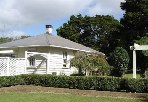 Okaihau, Country Cottage in Okaihau, Property ID: 71000352 | Barfoot & Thompson