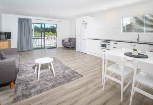 Paihia, Walk to the beach - Unit 7, Property ID: 71001407 | Barfoot & Thompson