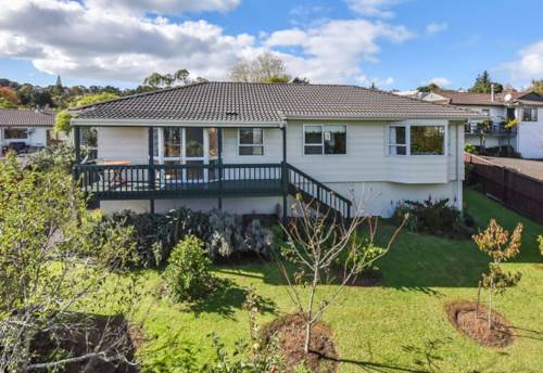 Goodwood Heights, 13 Ransom Smyth Drive,  Goodwood Heights, Auckland, Property ID: 72001789 | Barfoot & Thompson