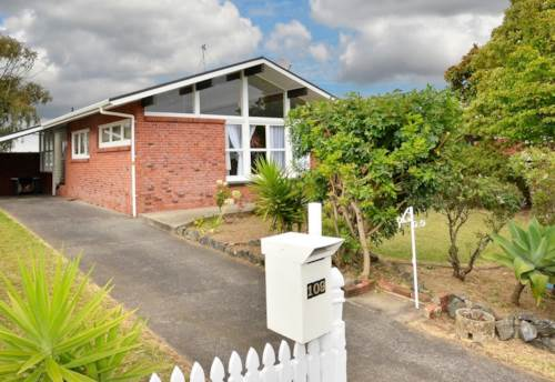 Bucklands Beach, Brick Family Home in Top Location with a sleepout, Property ID: 72001791 | Barfoot & Thompson