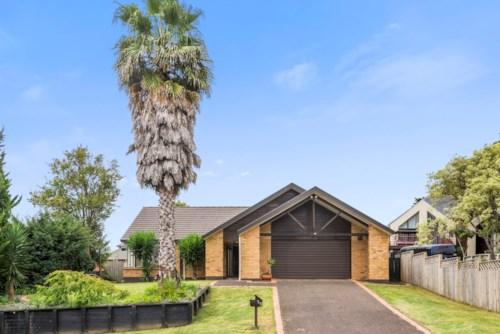 The Gardens, 75 Kuripaka Cres,  The Gardens, Auckland, Property ID: 72001866 | Barfoot & Thompson