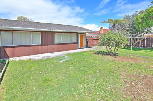 Papatoetoe,  2 bedrooms with 1 barthroom, Property ID: 72002913 | Barfoot & Thompson