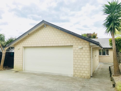 Pakuranga Heights, 3 Bedrooms and 2 bathrooms family home, Property ID: 72003038 | Barfoot & Thompson