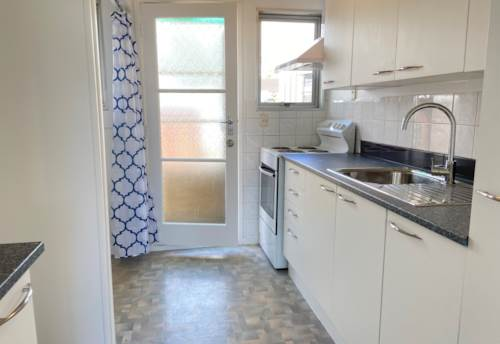 Papatoetoe, Cosy Unit in Papatoetoe - Cats are welcome!, Property ID: 72003196 | Barfoot & Thompson