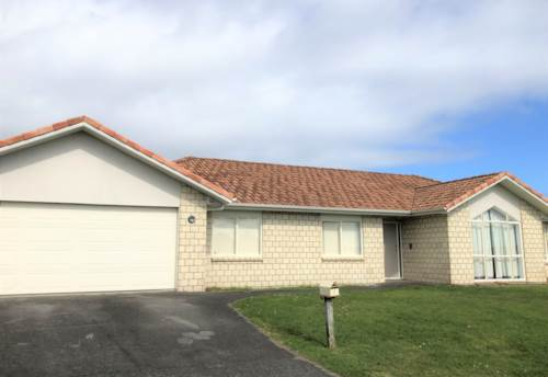 Flat Bush, Spacoious and tidy family home, Property ID: 72003330 | Barfoot & Thompson