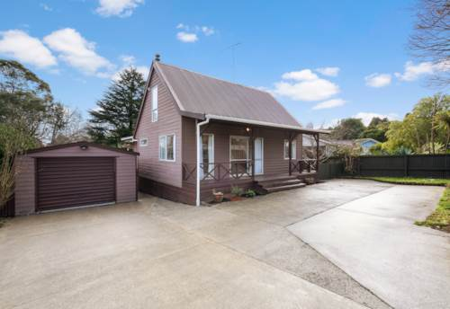Red Hill, Cottage style home, Property ID: 72003331 | Barfoot & Thompson