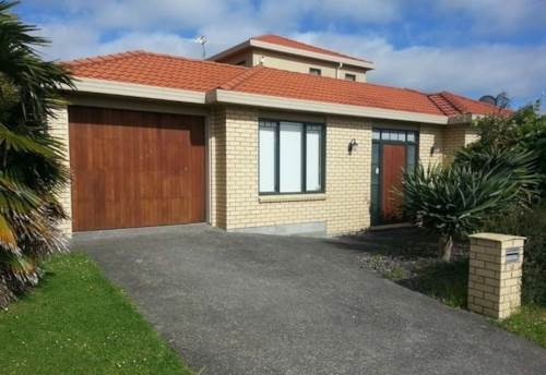 East Tamaki, Lovely 2 bedrooms home, Property ID: 72003353 | Barfoot & Thompson