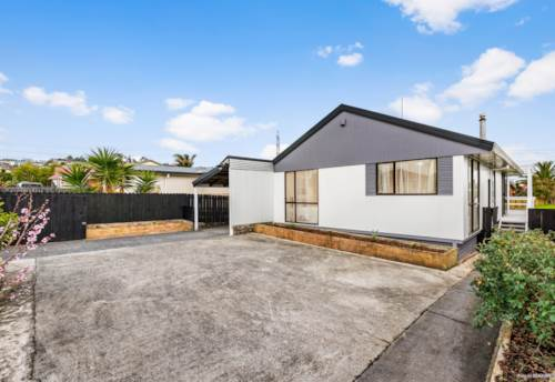 Flat Bush, Lovely home with fruit trees , Property ID: 72003362 | Barfoot & Thompson