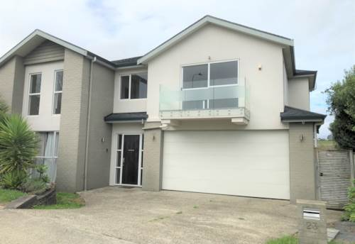 Flat Bush, Spacious family home in Mission Heights, Property ID: 72003400 | Barfoot & Thompson
