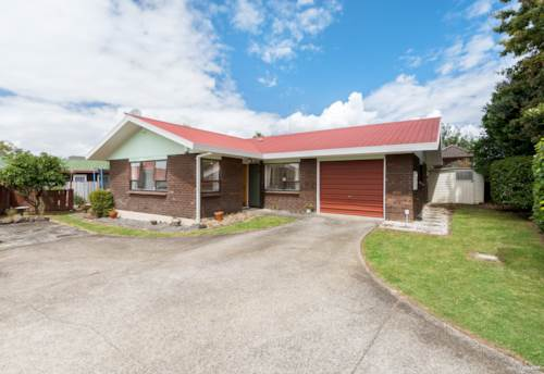 Pukekohe, Super convenient location, Property ID: 72003419 | Barfoot & Thompson