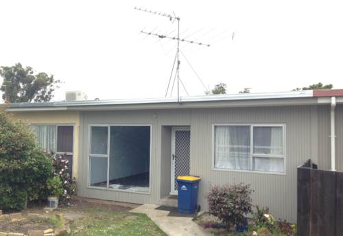 Birkdale, Bright and Tidy 2 Bedroom Unit, Property ID: 75000438 | Barfoot & Thompson