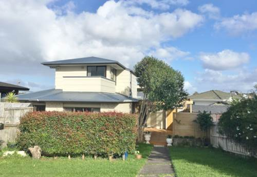 Browns Bay, Family Home In Rangi Zone, Property ID: 75000558 | Barfoot & Thompson