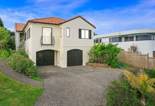 Pinehill, Rangitoto Zone !, Property ID: 75000606 | Barfoot & Thompson